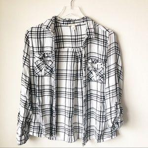 🌸 Miami | White and black plaid flannel